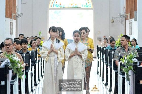 Foto Prosesi Sakramen Pemberkatan Pernikahan Perkawinan Nila+Gigih di Gereja Kidul Loji Yogyakarta