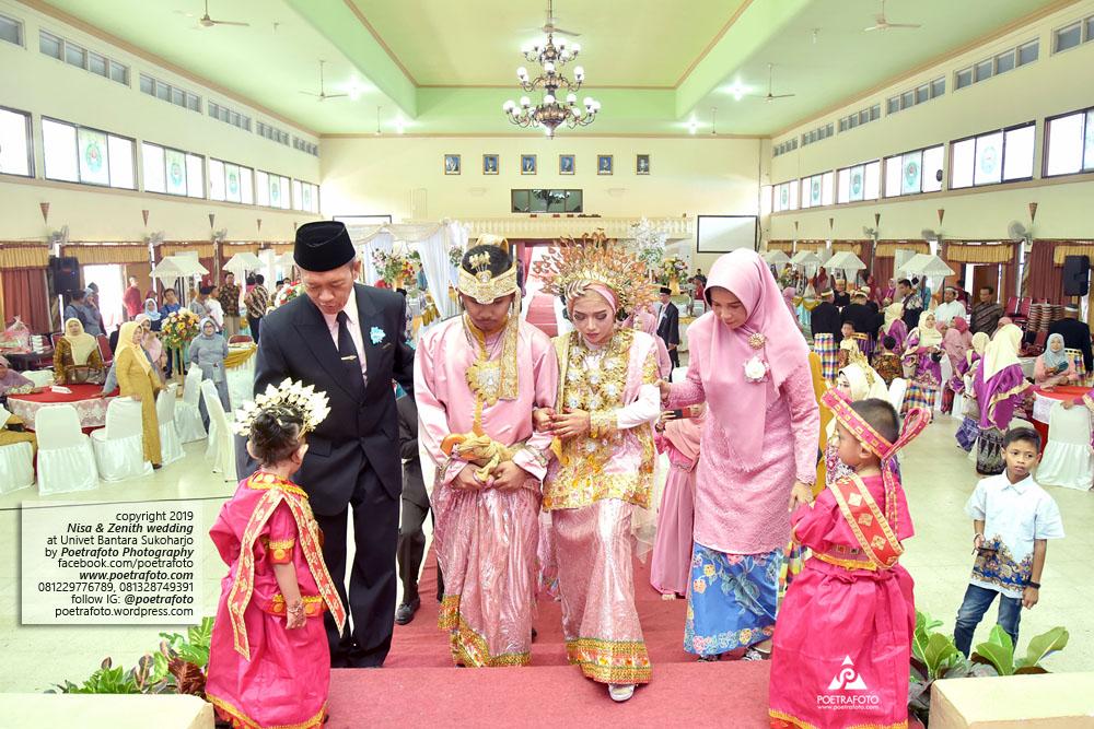 Pengantin Sukoharjo dg Baju Bodo Pernikahan Adat Bugis Muslim Berhijab Foto Wedding Nisa+Zenith