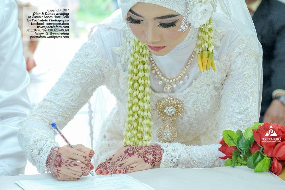 Foto Pengantin Muslimah BerHijab Jilbab Cantik dg Rias Pernikahan Gaun Makeup Wedding Boyolali di Hotel Gambir Anom Solo Dian+Dimas